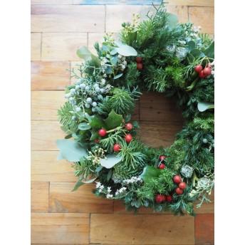 赤い実のクラシッククリスマスリース 25センチ