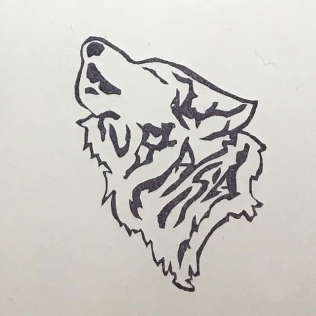 遠吠えオオカミ
