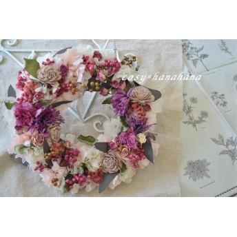 バラとペッパーベリーの春wreath