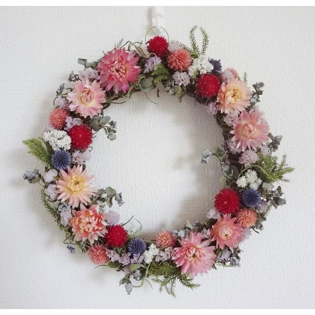 ベッチーズブルーとピンクのお花のリース