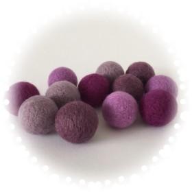 羊毛フェルトボール「デラウェア」