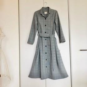 レトロ風ドレスコート