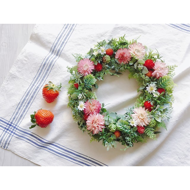 Sweet strawberry 野いちごのリース