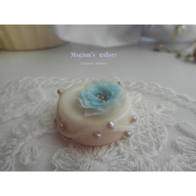 大きなお花のケーキ ブルー