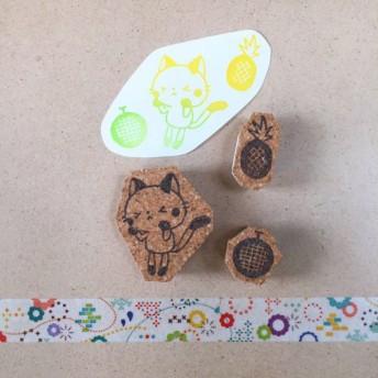 fruity cat(パインとメロン)の消しゴムはんこ