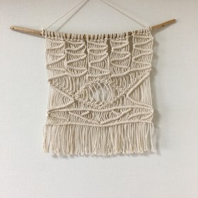 流木マクラメ編みタペストリー
