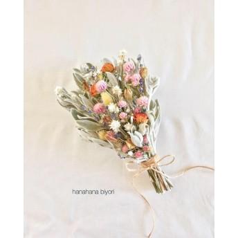 小花とラムズイヤーのブーケ・スワッグ