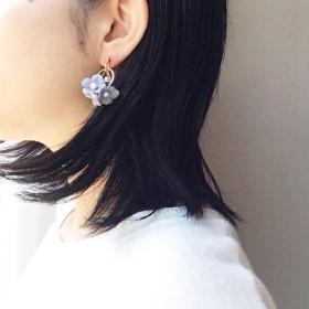 【新色入荷】ベル/揺れるお花と小さなパールの耳飾り