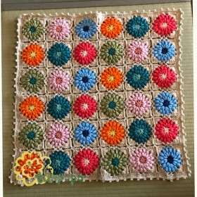 6色の花モチーフのミニブランケット(薄ベージュ)