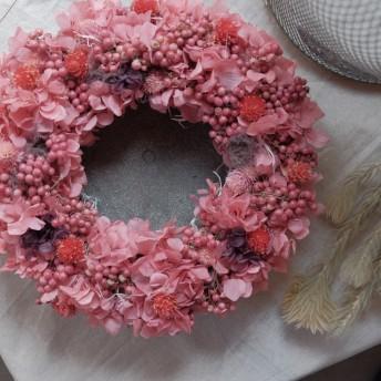 ローズピンクのロマンティックリース