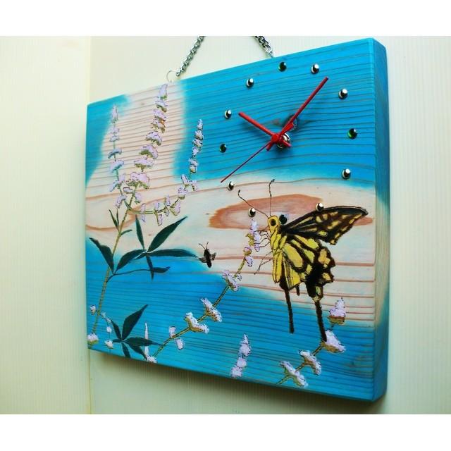 蝶(チョウ)と 花 の共演 木製 掛け時計