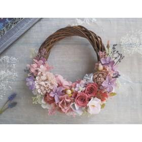Lune Bonheur<coral pink>*受注制作*ハーフムーンリース*プリザーブドフラワー*お花*ギフト*結婚祝い*春リース*フラワーリース