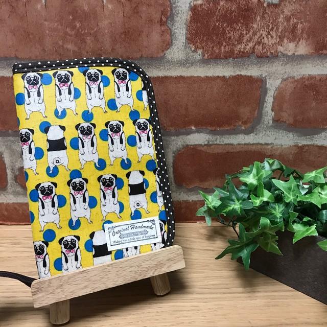 ラミネート パグ柄 × オレンジチェック 母子手帳ケース マルチケース