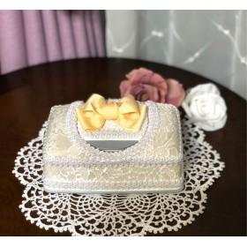 卵色 イエローのリボン オフホワイトのウエットティッシュケース