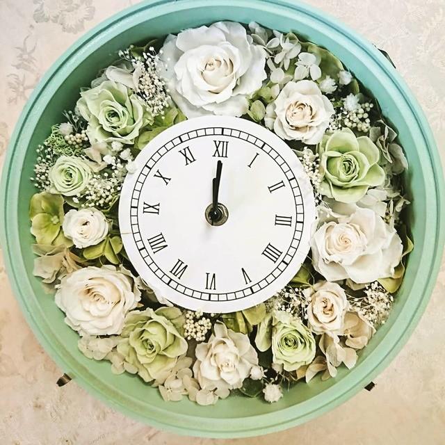 ♪プリザーブドフラワー贈呈♪ ホワイトグリーンの花時計