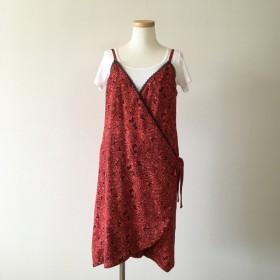 赤い蝶のラップスカート