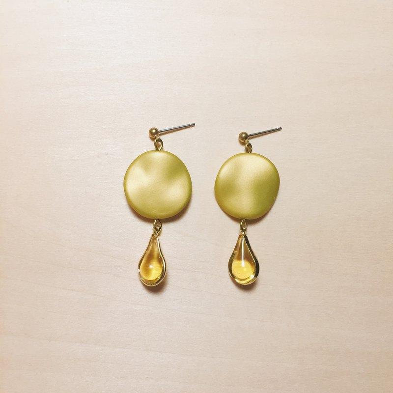 復古磨砂黃色金邊水滴耳環