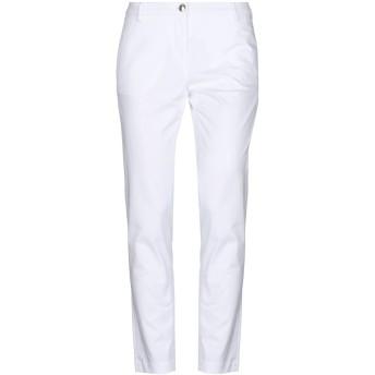 《セール開催中》CRUCIANI レディース パンツ ホワイト 32 コットン 98% / ポリウレタン 2%