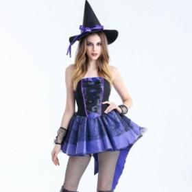 ハロウィンの魔女の服装の女子学生は成人のセクシーな巫女のコスプレのコスプレをして化粧舞踏会の公演の服に扮します。