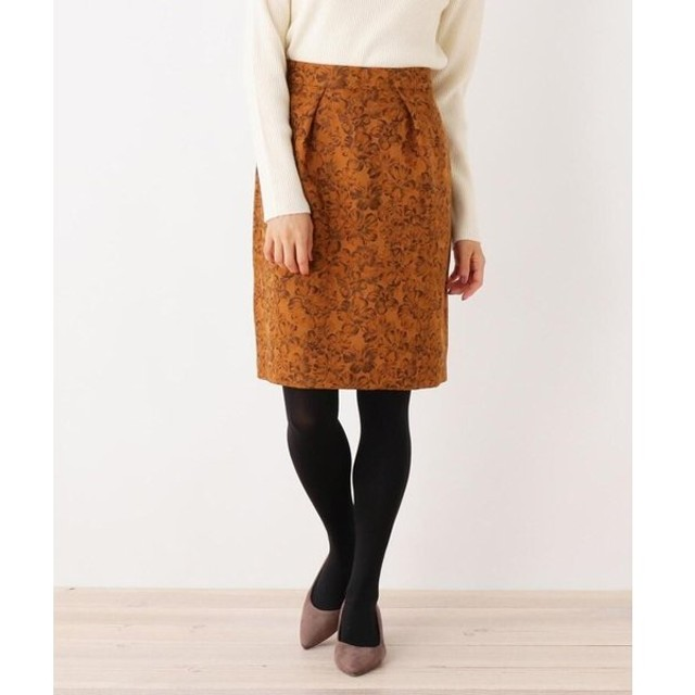 SOUP / スープ フラワー柄タックタイトスカート