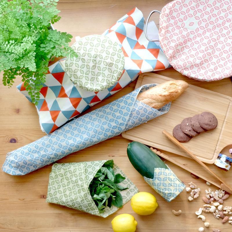 拿來包手掌大小的饅頭、麵包也剛剛好! 2.基本【升級款】 蜂蠟保鮮布(L) 尺寸:48*42cm 最萬能的尺寸, 幾乎所有碗盆皆能覆蓋! 還有切半的鳳梨或是南瓜也適用, 折成袋狀包裹麵包、貝果等, 終