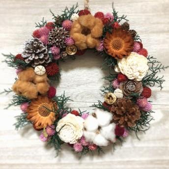 千日紅と木の実のクリスマスリース