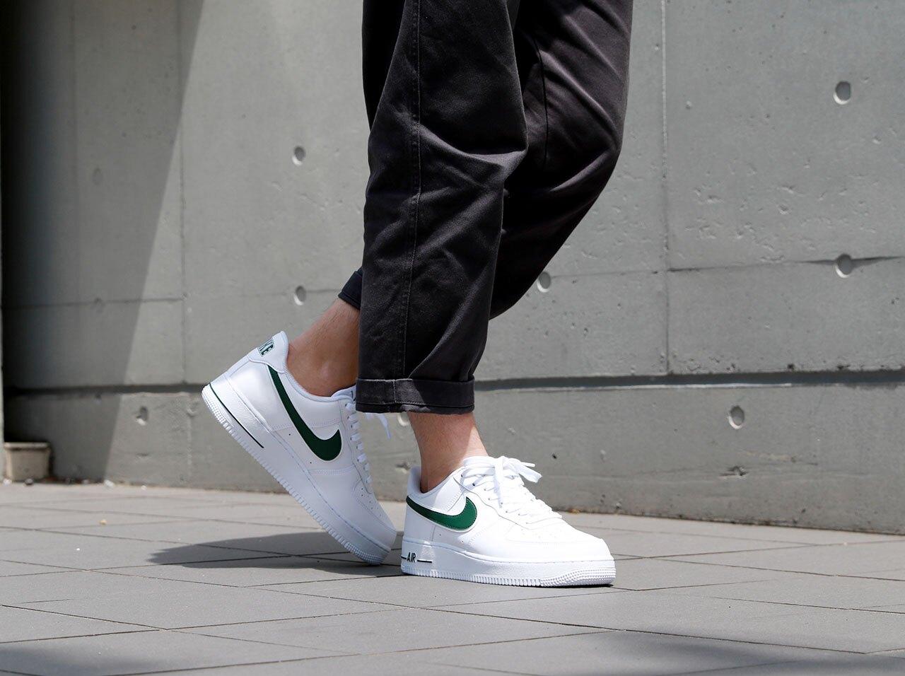 【日本海外代購】NIKE AIR FORCE 1 AF1 空軍 白色 綠色 綠勾 滑板 休閒 情侶鞋 AO2423-104