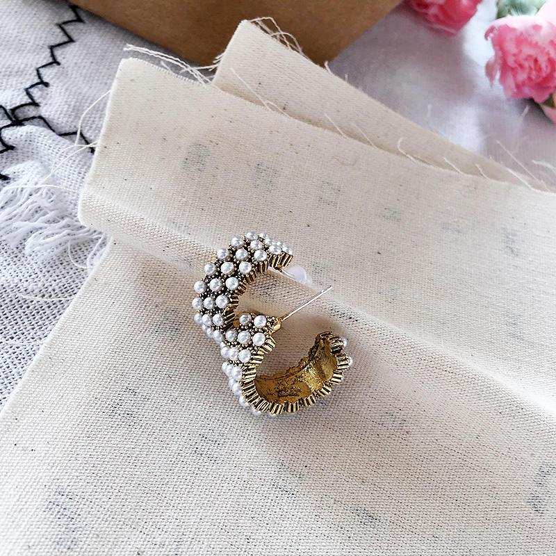 銀針珍珠設計感耳釘小眾短款復古耳環女氣質秋冬款耳飾耳墜飾品1入