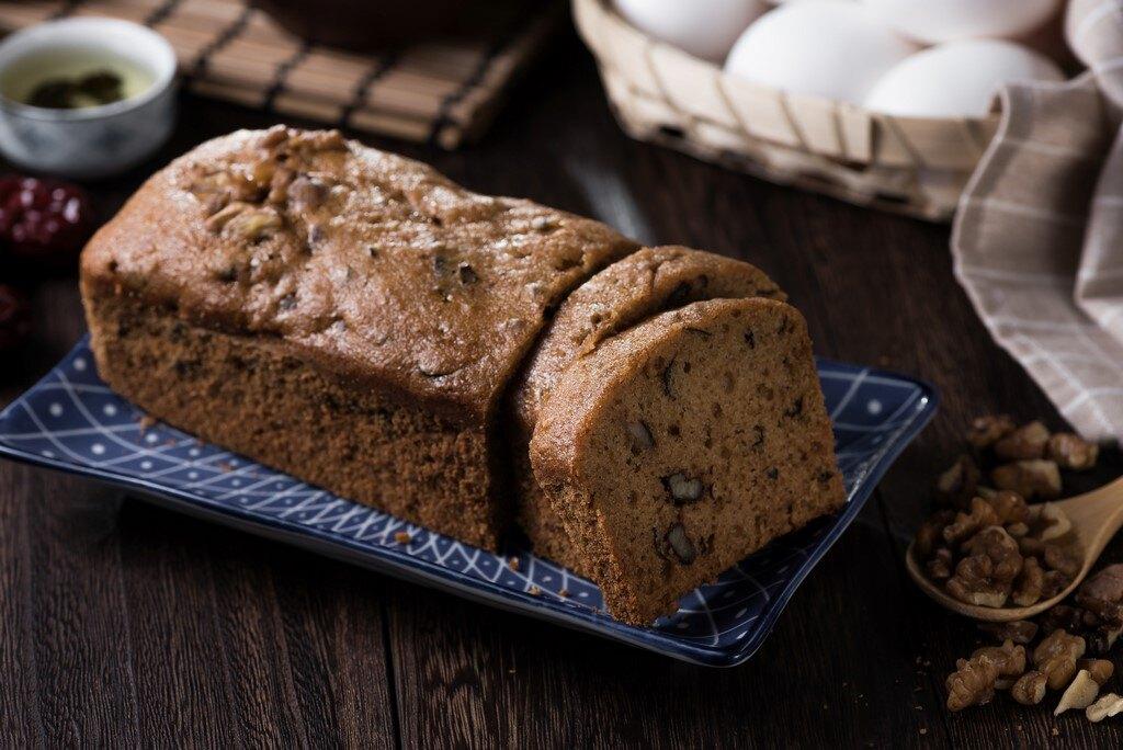 『核桃紅棗糕』 滿漢全席養生糕點之首,承傳200多年的制作古法。以養生食材創造出超越您所嚐過的糕點的感受。天母實體門店近8成回頭客的支持。【免運支持