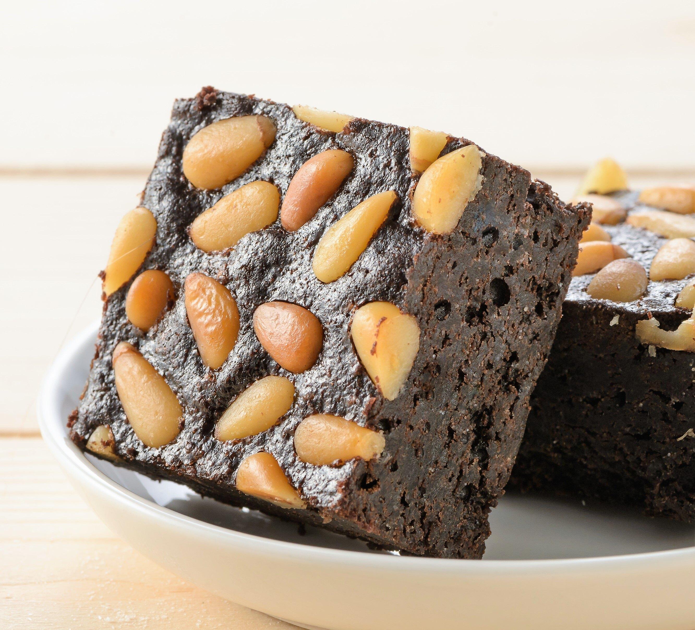 殿堂級 【老爺子的】手工 頂級松子巧克力布朗尼 Pine nut Brownies 4入/盒  幸福滿滿的 欲罷不能的幸福滋味 團購 甜點 下午茶 禮盒 蛋糕