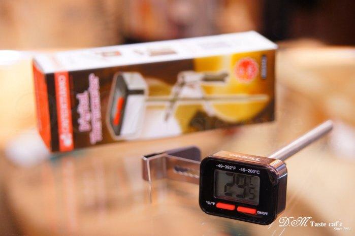 Tiamo HK0442 速顯電子式溫度計/筆型溫度計/數位電子溫度計/同 Dough