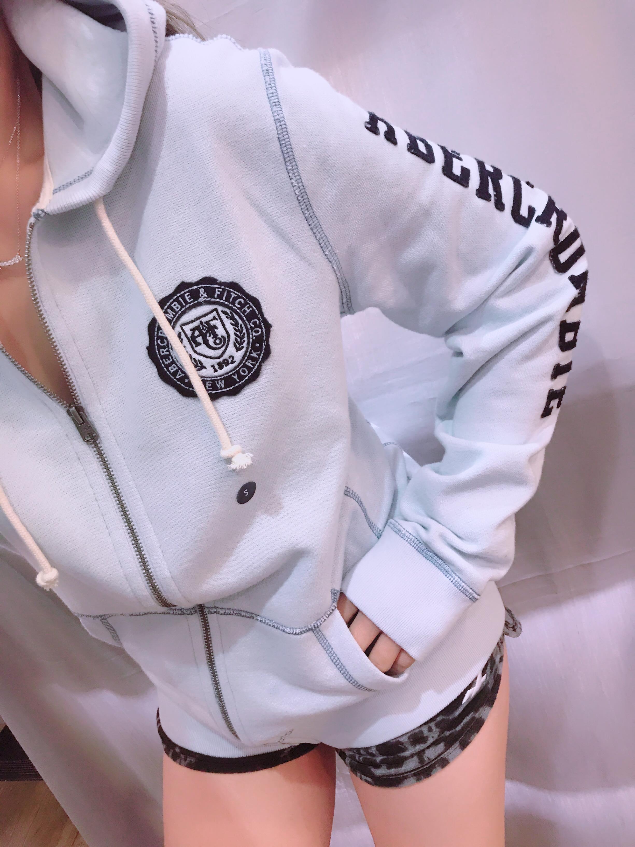 A&F AF Abercrombie & Fitch 春夏 圖樣 全拉鍊式 帽衫 麋鹿公主 歐美時尚 平行輸入精品店