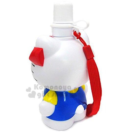 【領券折$30】小禮堂 Hello Kitty 造型水壺《白藍.吊帶褲》500ml.附掛繩