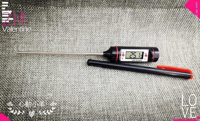心動小羊^^長針溫度計手工皂不鏽鋼長探針測溫器食品飲料-50度~300度LED數字顯示電子烘焙餐飲油湯冰品