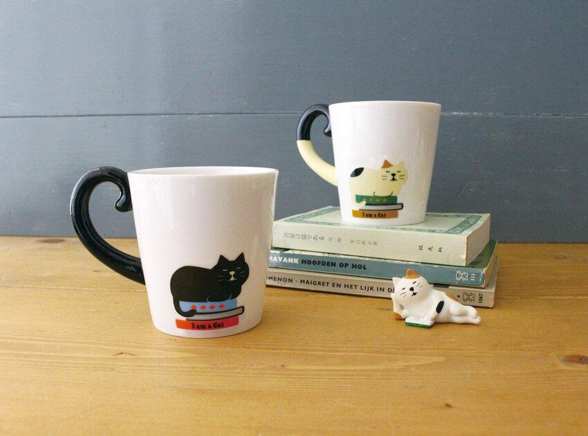 日本DECOLE貓咪的書本時光-三毛貓尾巴馬克杯