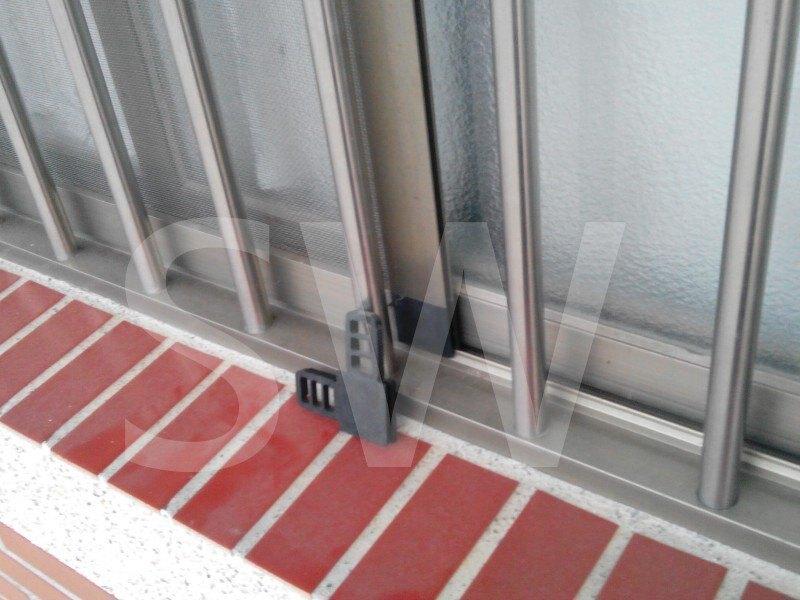 HM013 水泥窗紗門角Ⅰ 鐵厝窗角 紗窗角 水泥窗角 防盜鋁窗沙門角 沙窗角 窗戶紗窗角 鐵皮屋紗窗角 紗窗塑膠角