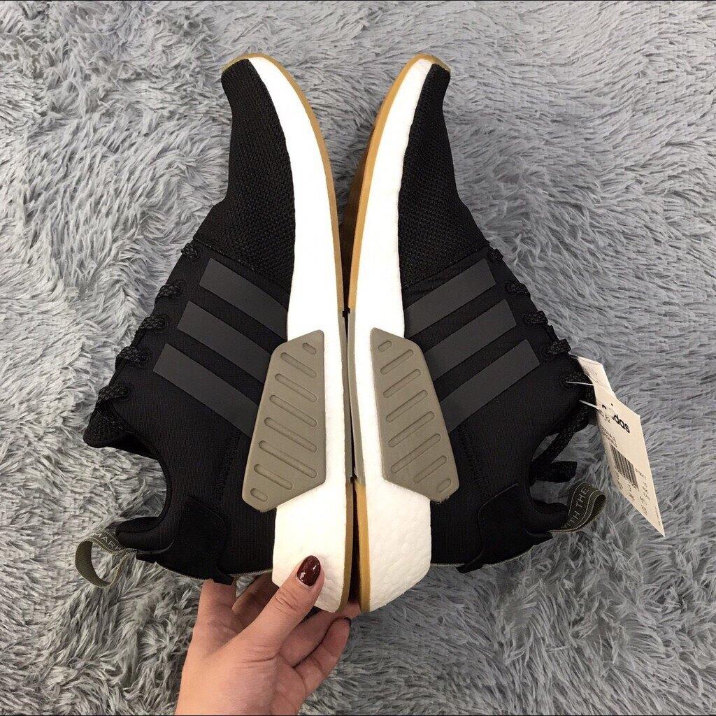 Kumo shoes ADIDAS NMD R2 輕量 休閒 慢跑鞋 機能 襪套  黑白 男女 BY9917