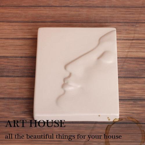 歐式白色創意個性抽象人面像方形陶瓷壁飾 牆飾 家居飾品 擺件(圖一)