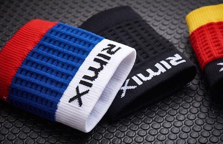 騎跑泳者-運動護腕 180個透氣中空洞 絕佳透氣 可擦汗、健身吸汗,適用排球、籃球、網球、羽毛球..運動