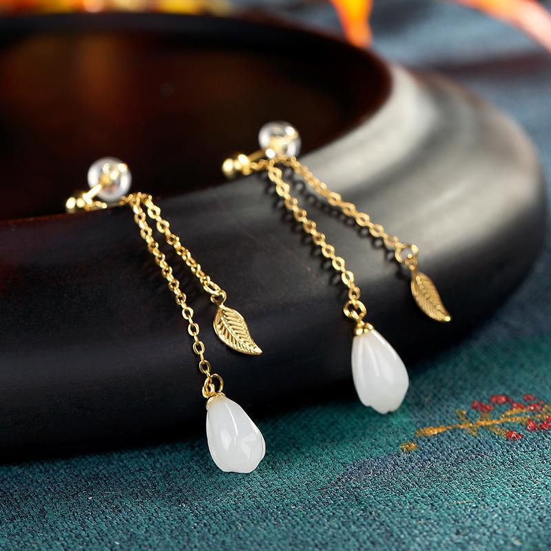 S925鎏金銀鑲嵌天然青海玉和田玉玉蘭花樹葉氣質耳線耳飾1入
