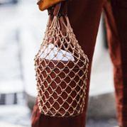 小眾設計師潮牌同款包新款迷你手提包法式繩結編織繩漁網格水桶包