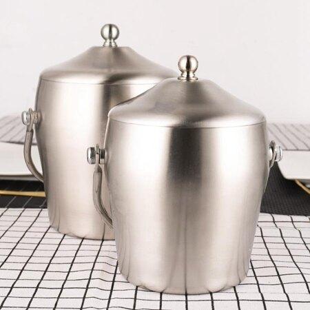 歐式不銹鋼雙層冰桶放冰塊桶 磨砂手提帶蓋保溫桶 酒吧紅酒香檳桶 MKS小宅女 清涼一夏钜惠