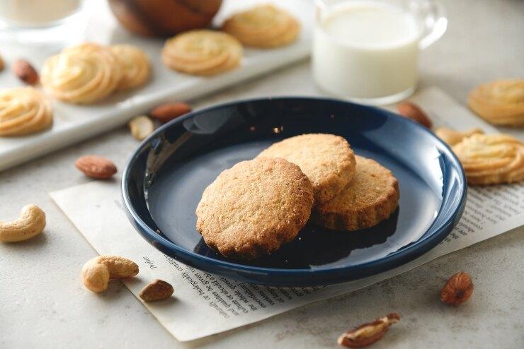 手工餅乾(綜合堅果口味) 重量:一袋八片(一片約25克) 曲奇餅乾 手工餅乾  送禮自用 彌月禮 伴手禮