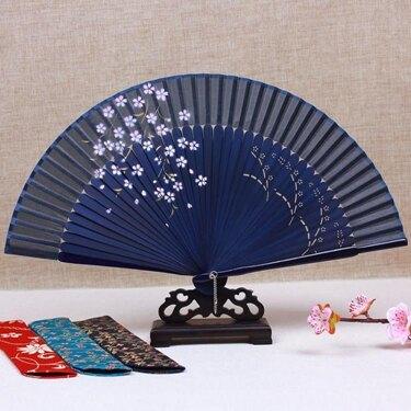 免運 中國風真絲女扇子日式和風櫻花古風折扇舞蹈扇折疊絲綢小絹扇夏天
