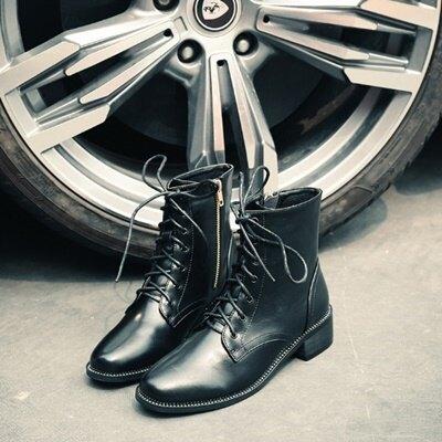 短靴粗跟靴子-歐美率性圓頭繫帶女馬丁靴73is14【獨家進口】【米蘭精品】