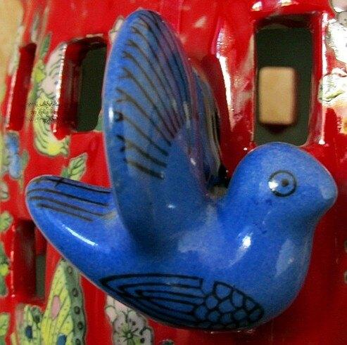 【協貿國際】粉彩手繪藍色陶瓷鳥籠香爐家居飾品(中)