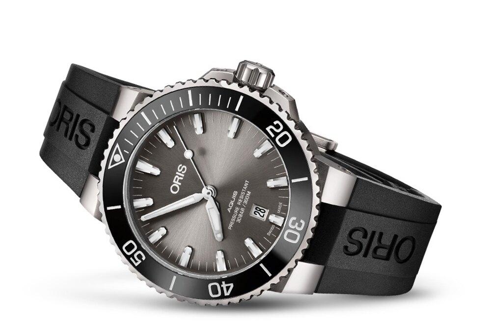 ORIS AQUIS 鈦金屬日期錶(0173377307153-0742464TEB)/黑膠/43.5mm
