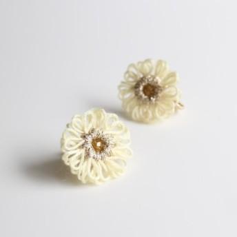 糸の花*colorful*イヤリング*white