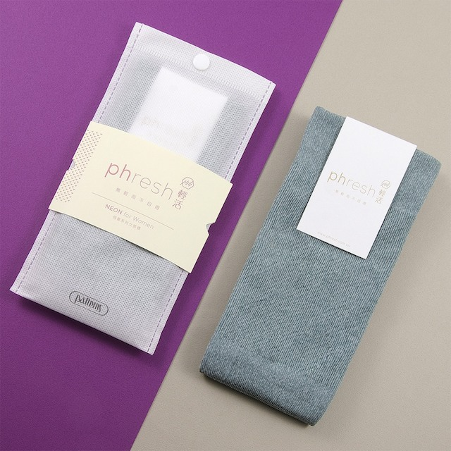 【phresh 輕活】女乾爽抗菌除臭中統襪 - 輕暖恆溫款(鈾灰)