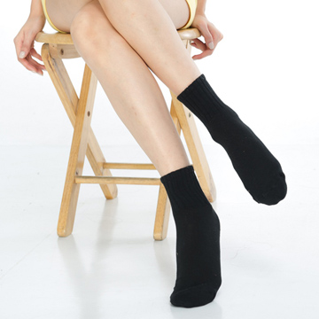 【KEROPPA】可諾帕細針毛巾底7比1氣墊1/2女襪x4雙C91003-B黑